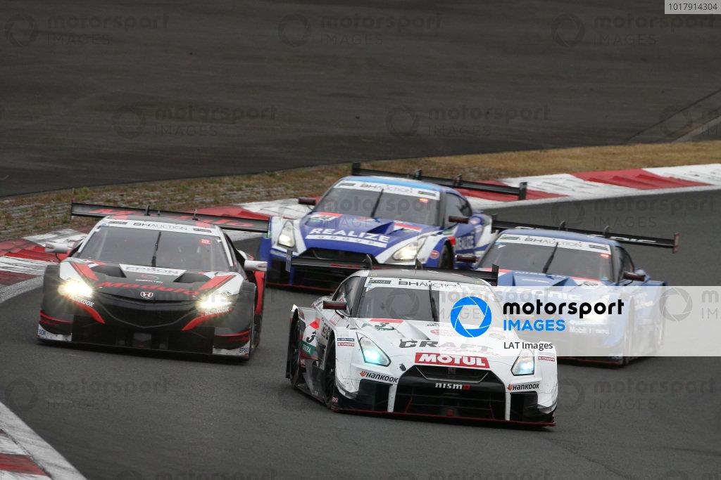 Frederic Makowiecki, NDDP Racing with B-Max Nissan GT-R NISMO GT500, Tadasuke Makino, Nakajima Racing Honda NSX-GT.