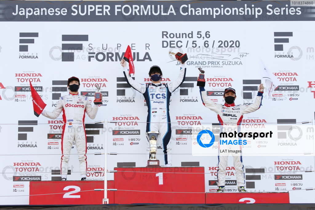 Round six winner Toshiki Oyu ( #65 TCS NAKAJIMA RACING ), Dallara SF Honda, celebrates on the podium with Nirei Fukuzumi  ( #6 DOCOMO TEAM DANDELION RACING ), Dallara SF Honda, 2nd position and Yuhi Sekiguchi  ( #19 ITOCHU ENEX TEAM IMPUL ), Dallara SF Toyota, 3rd position. Photo: Yukio Yoshimi