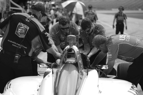 Marco Andretti, Andretti Herta with Marco & Curb-Agajanian Honda, crew