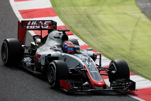 Circuit de Catalunya, Barcelona, Spain. Tuesday 17 May 2016. Romain Grosjean, Haas VF-16.  Photo: Sam Bloxham/LAT Photographic. ref: Digital Image _L4R2098