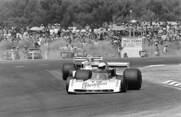 1976 French Grand Prix.Paul Ricard, Le Castellet, France. 4 July 1976.Brett Lunger (Chesterfield Surtees TS19-Ford Cosworth) leads Henri Pescarolo (Norev Surtees TS19-Ford Cosworth). Ref-8810 #19A.World Copyright - LAT Photographic