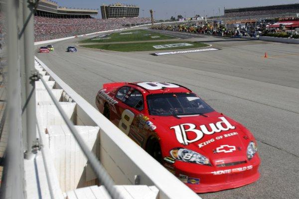 16-18 March 2007, Atlanta Motor Speedway, Atlanta, GADale Earnhardt Jr.©2007, Lesley Ann Miller, USALAT Photographic