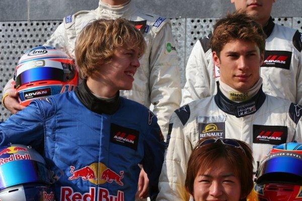 Sebastian Vettel (GER) ASM F3 and Loic Duval (FRA) ASM F3. 52nd Macau Grand Prix, Qualifying  Race Day, Guia Circuit, Macau, China, 17-20 November 2005. DIGITAL IMAGE