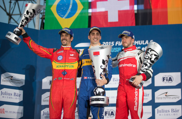 FIA Formula E Championship 2015/16. Beijing ePrix, Beijing, China. Race Sebastien Buemi, RENAULT E.DAMS, Lucas Di Grassi, ABT SCHAEFFLER AUDI SPORT and Nick Heidfeld, MAHINDRA RACING FORMULA E TEAM  on the podium Beijing, China, Asia. Saturday 24 October 2015 Photo:  / LAT / FE ref: Digital Image _L2_4363