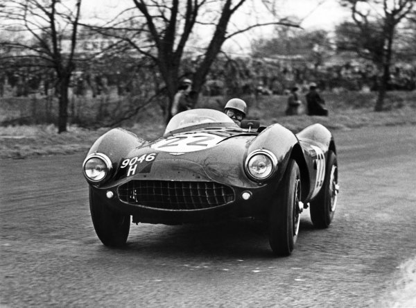 Oulton Park, England. 2nd April 1955 Reg Parnell (Aston Martin DB3S 2 5), 3rd position, action. World Copyright: LAT Photographic Ref:  B/W Print.