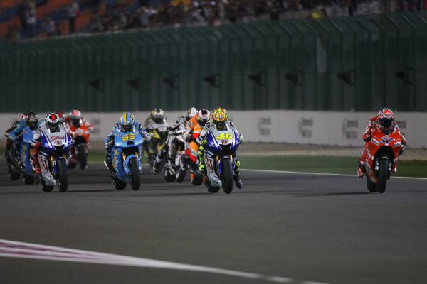 Qatar, Losail International Circuit.10th - 13th April 2009.Start of the MotoGP race and Casey Stoner Marlboro Ducati Team is off to one of his flying starts.World Copyright: Martin Heath/LAT Photographicref: Digital Image BPI_Moto 7o6h