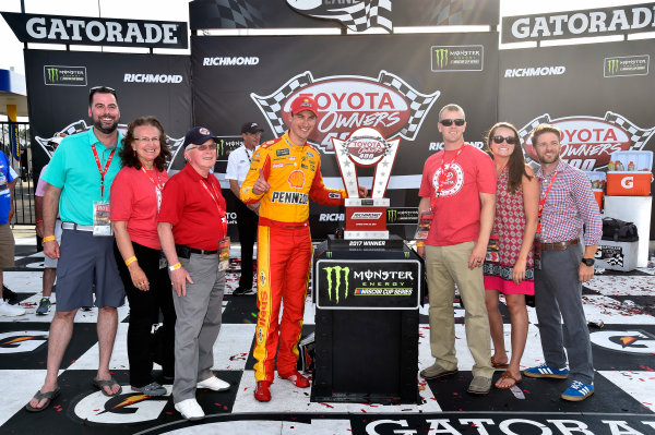 Monster Energy NASCAR Cup Series Toyota Owners 400 Richmond International Raceway, Richmond, VA USA Sunday 30 April 2017 Joey Logano, Team Penske, Shell Pennzoil Ford Fusion wins. World Copyright: Rusty Jarrett LAT Images ref: Digital Image 17RIC1rj_4463