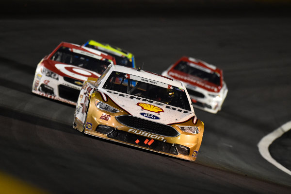 Monster Energy NASCAR Cup Series Coca-Cola 600 Charlotte Motor Speedway, Concord, NC USA Sunday 28 May 2017 Joey Logano, Team Penske, Shell Pennzoil Ford Fusion, Kyle Larson, Chip Ganassi Racing, Target Chevrolet SS World Copyright: John K Harrelson LAT Images ref: Digital Image 17CLT2jh_04746