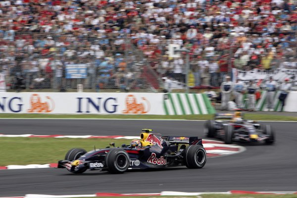 2007 French Grand Prix - Sunday RaceCircuit de Nevers Magny Cours, Nevers, France.1st July 2007.Mark Webber, Red Bull Racing RB3 Renault, 12th position, leads team mate David Coulthard, Red Bull Racing RB3 Renault, 13th position. Action. World Copyright: Andrew Ferraro/LAT Photographicref: Digital Image VY9E3375