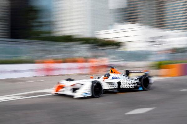 FIA Formula E Hong Kong e-Prix. First Practice Session. Loic Duval (FRA), Dragon Racing, Spark-Penske, Penske 701-EV. Hong Kong Harbour, Hong Kong, Asia. Sunday 9 October 2016. Photo: Adam Warner / FE / LAT ref: Digital Image _L5R7455