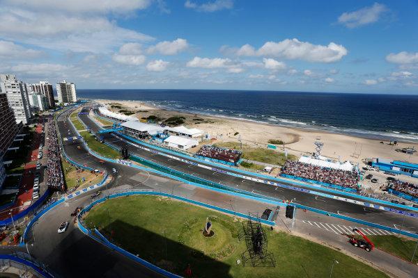 2014 FIA Formula E Championship. Punta del Este ePrix, Uruguay. The Safety car leads the field around the circuit. Photo: Zak Mauger/LAT/FE ref: Digital Image _L0U1788