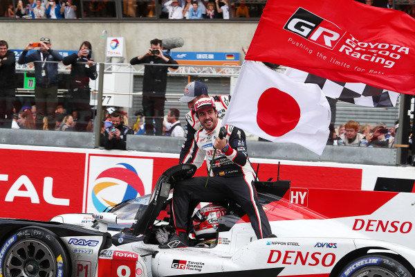 #8 Toyota Gazoo Racing Toyota TS050: Sébastien Buemi, Kazuki Nakajima, Fernando Alonso win the Le Mans 24 Hours and the FIA World Endurance Championship Super Season 2018 / 2019