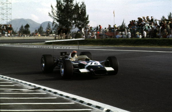 1968 Mexican Grand Prix.Mexico City, Mexico.1-3 November 1968.Jo Siffert (Lotus 49B Ford) 6th position.Ref-68 MEX 20.World Copyright - LAT Photographic
