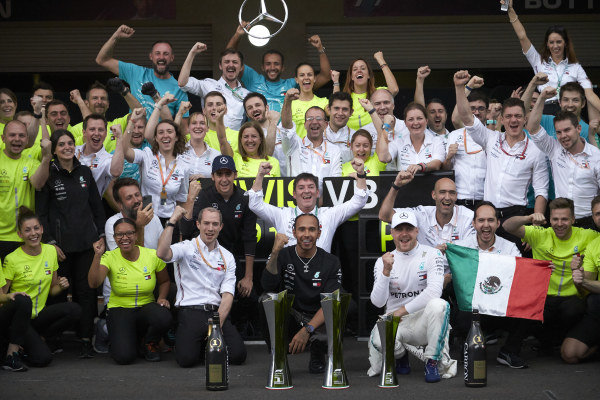 Lewis Hamilton, Mercedes AMG F1, 1st position, Valtteri Bottas, Mercedes AMG F1, 3rd position, and the Mercedes team celebrate victory