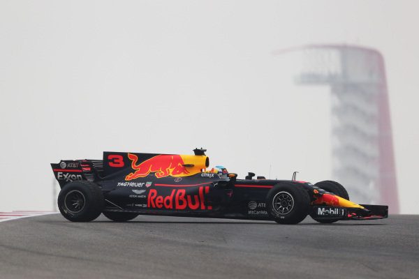 Daniel Ricciardo (AUS) Red Bull Racing RB13 spins at Formula One World Championship, Rd17, United States Grand Prix, Practice, Circuit of the Americas, Austin, Texas, USA, Friday 20 October 2017.