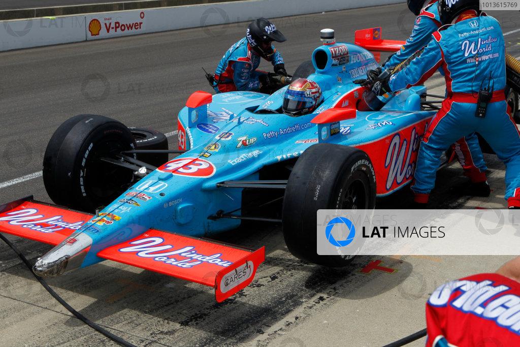 29 May, 2011, Indianapolis, Indiana, USAJohn ANdretti pit stop.© 2011 Phillip AbbottLAT Photo USA