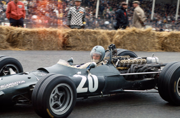 Zandvoort, Holland. 21-23 June 1968.Piers Courage (BRM P126), retired, action. World Copyright: LAT PhotographicRef: 68HOL22.
