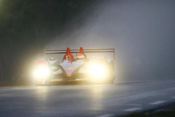 Le Mans, France. 13th - 17th June. Wednesday Practice Frank Biela (DEU)/Emanuele Pirro (ITA)/Marco Werner (DEU) (no 1 Audi R10 TDI). Action. Spray.World Copyright: Kevin Wood/LAT Photographic. ref: Digital Image IMG_2559