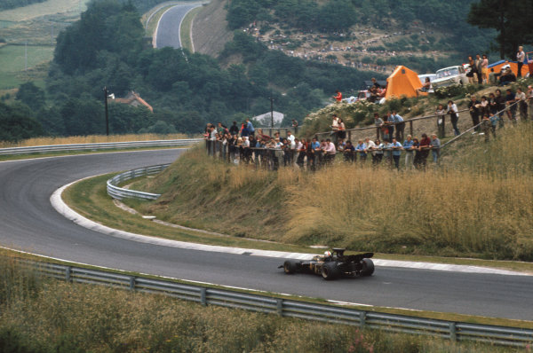 1972 German Grand Prix.  Nurburgring, Germany. 28-30th July 1972.  Dave Walker, Lotus 72D Ford, in the Kallenhard section with Ex-Muhle in the background.  Ref: 72GER08. World Copyright: LAT Photographic