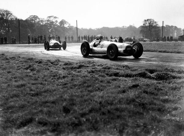 Donington Park, Great Britain. 22 October 1938.Manfred von Brauchitsch (Mercedes-Benz W154), 5th position, action. World Copyright: LAT Photographic.Ref:  38DONRF