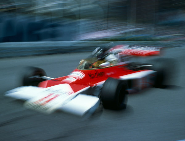 James Hunt, McLaren M23 Ford.