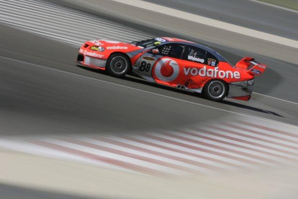 2007 Australian V8 Supercars.Bahrain International Circuit. Sakhir, Bahrain.2nd - 4th November. Jamie Whincup during the V8 Supercar Desert 400. Action. World Copyright: Mark Horsburgh/LAT Photographic. Ref: Digital Image 88-Whincup-RD12-07-5058