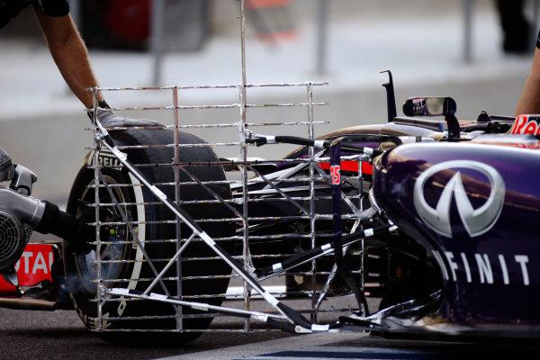 Yas Marina Circuit, Abu Dhabi, United Arab Emirates. Tuesday 25 November 2014. Aerodynamic test rake on the Red Bull Racing RB10 Renault of Carlos Sainz Jr. World Copyright: /LAT Photographic. ref: Digital Image _89P9109