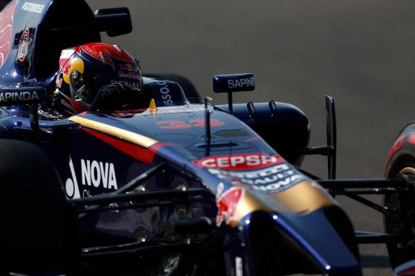 Yas Marina Circuit, Abu Dhabi, United Arab Emirates. Wednesday 26 November 2014. Max Verstappen, Toro Rosso STR9 Renault.  World Copyright: Sam Bloxham/LAT Photographic. ref: Digital Image _SBL8861