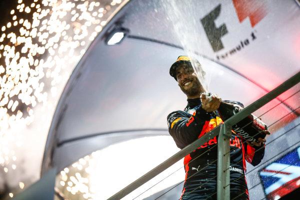 Marina Bay Circuit, Marina Bay, Singapore. Sunday 17 September 2017. Daniel Ricciardo, Red Bull Racing on the podium. World Copyright: Andy Hone/LAT Images  ref: Digital Image _ONZ8050