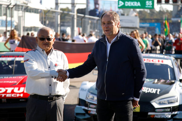 2017 DTM Round 9  Hockenheimring, Germany  Sunday 15 October 2017. Masaki Bando, Chairman GTA and Gerhard Berger, ITR Chairman  World Copyright: Alexander Trienitz/LAT Images ref: Digital Image 2017-DTM-HH2-AT1-0616
