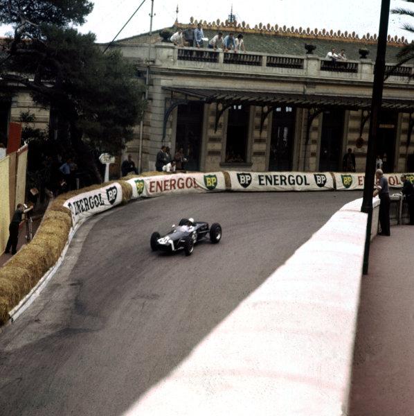 1960 Monaco Grand Prix.Monte Carlo, Monaco.26-29 May 1960.Stirling Moss (Lotus 18 Climax) 1st position.Ref-3/0175.World Copyright - LAT Photographic