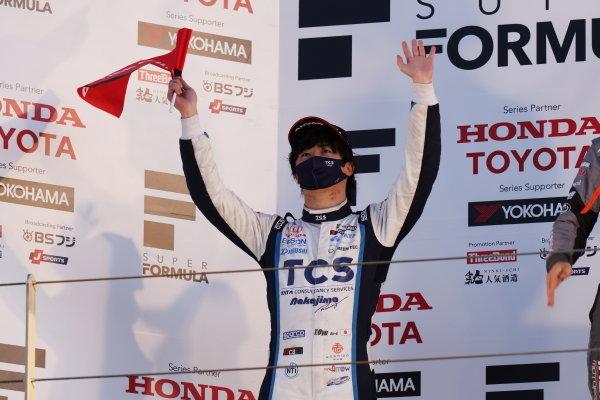 Toshiki Oyu ( #65 TCS NAKAJIMA RACING, Dallara SF Honda ) celebrates second position on the podium