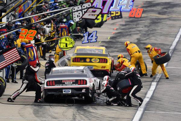 #2: Brad Keselowski, Team Penske, Ford Mustang Discount Tire and #22: Joey Logano, Team Penske, Ford Mustang Shell Pennzoil