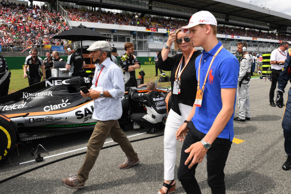 Mick Schumacher (GER) and Sabine Kehm on the grid at Formula One World Championship, Rd12, German Grand Prix, Race, Hockenheim, Germany, Sunday 31 July 2016.