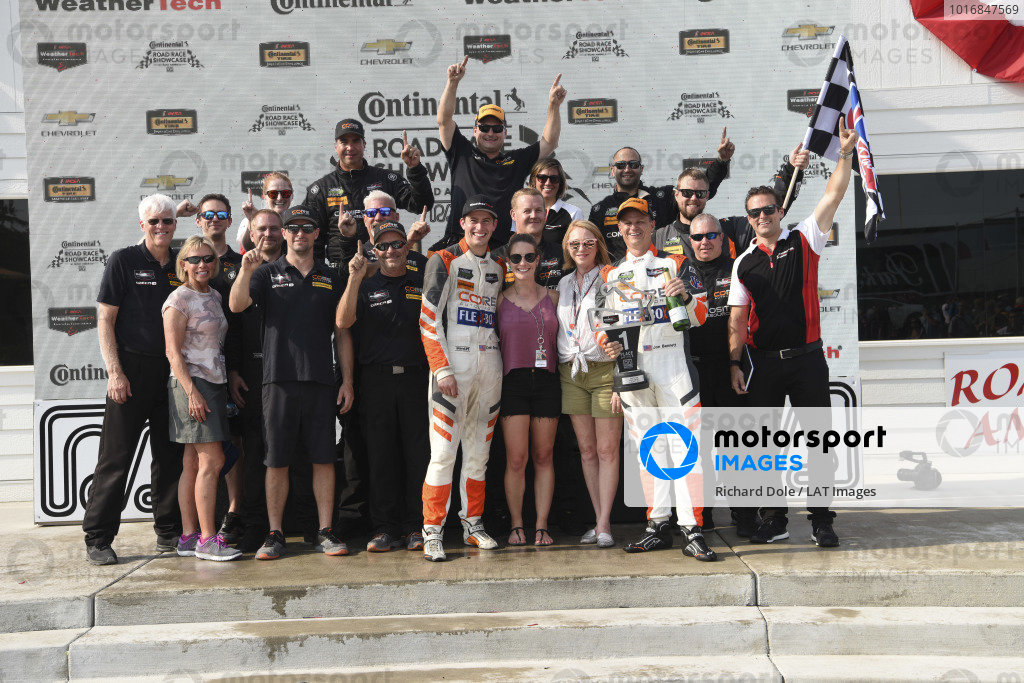 #54 CORE autosport ORECA LMP2, P: Jon Bennett, Colin Braun and crew