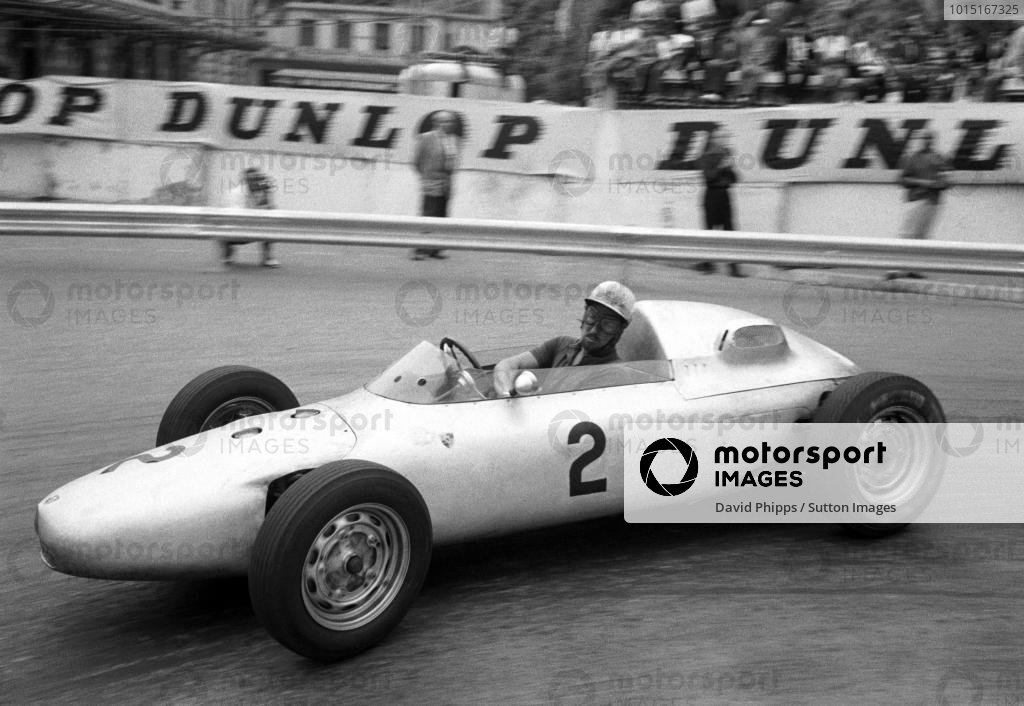 Jo Bonnier (SWE) Porsche 787 retired shortly after half distance. Monaco Grand Prix, Monte Carlo, 14 May 1961.
