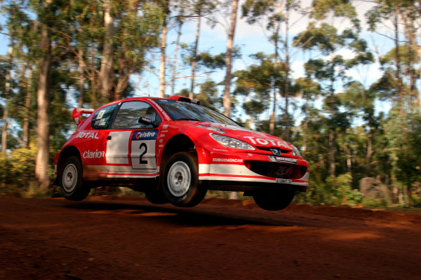 2003 FIA World Rally Champs. Round Ten Telstra Rally Australia 4th-7th September 2003.Richard Burns, Peugeot, Action. World Copyright: McKlein/LAT