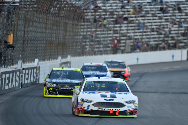 Monster Energy NASCAR Cup Series AAA Texas 500 Texas Motor Speedway Fort Worth, TX USA Sunday 5 November 2017 Kevin Harvick, Stewart-Haas Racing Rodney, Mobil 1 Ford Fusion, Paul Menard, Richard Childress Racing, Atlas/Menards Chevrolet SS World Copyright: John K Harrelson LAT Images