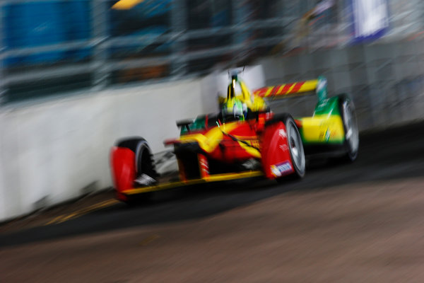 2014/2015 FIA Formula E Championship. London ePrix, Battersea Park, London, United Kingdom. Sunday 28 June 2015 Lucas di Grassi (BRA)/Audi Abt Sport - Spark-Renault SRT_01E Photo: Steven Tee/LAT/Formula E ref: Digital Image _L4R0734