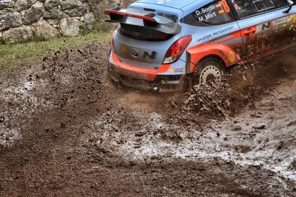 Dani Sordo (ESP) / Marc Marti (ESP) Hyundai i20 WRC. FIA World Rally Championship, Rd5, Rally Argentina, Day Three, Cordoba-Villa Carlos Paz, Argentina, 11 May 2014.