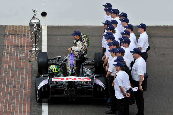 27 May, 2013, Indianapolis, Indiana, USA Winner Tony Kanaan and Team Chevy with Borg-Warner Trophy ©2013, Scott R LePage LAT Photo USA