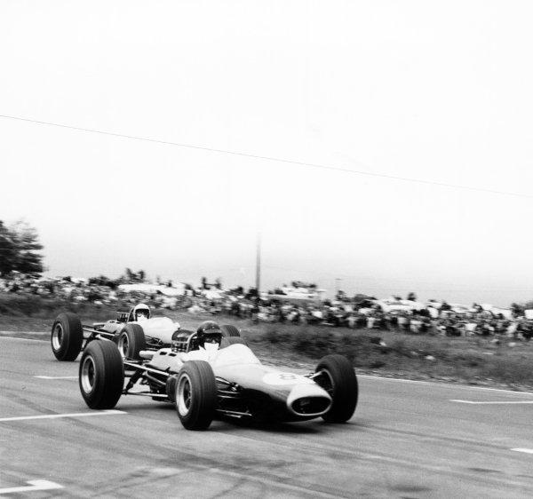 1965 United States Grand Prix.Watkins Glen, United States. 3 October 1965.Dan Gurney, Brabham BT11-Climax, 2nd position, action.World Copyright: LAT PhotographicRef: 31440