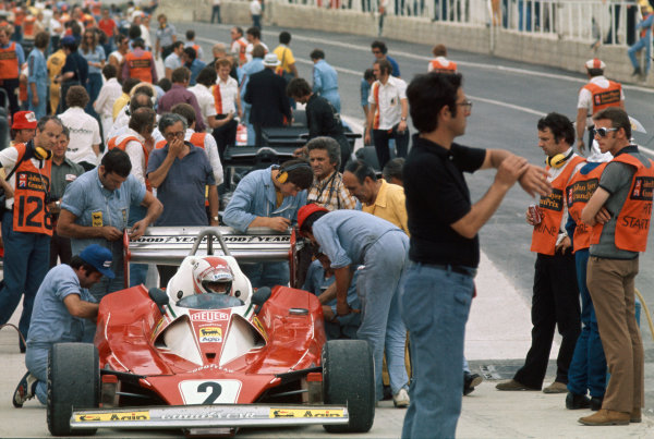 Brands Hatch, England. 16th - 18th July 1976.  Clay Reggazzoni (Ferrari 312T2), Disqualified, in the pit lane, action.  World Copyright: LAT Photographic.  Ref: 76 GB 31.