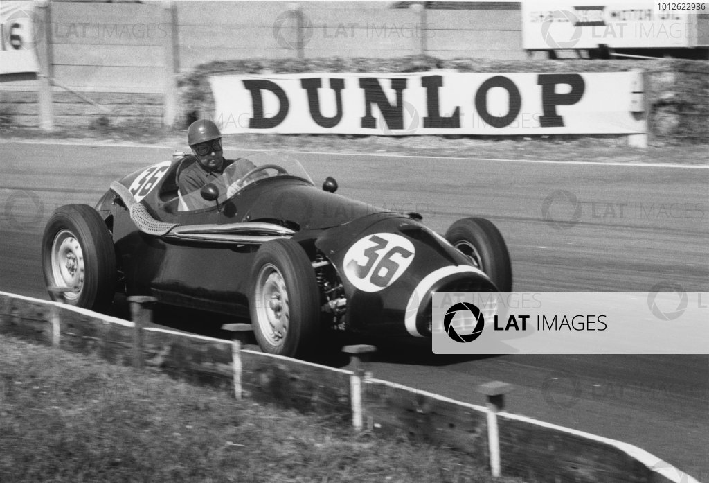 Aintree, England. 14-16 July 1955.Tony Rolt (Connaught B4), retired, action.World Copyright: LAT Photographic.Ref: 316/33