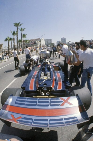1980 United States Grand Prix West.Long Beach, California, USA. 28-30 March 1980.Elio de Angelis (Lotus 81-Ford Cosworth), retired.World Copyright: LAT PhotographicRef: 35mm transparency 80LB29