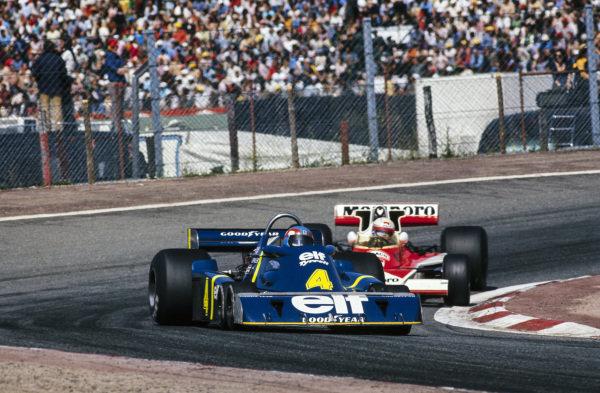 Patrick Depailler, Tyrrell P34 Ford leads Jochen Mass, McLaren M23 Ford.