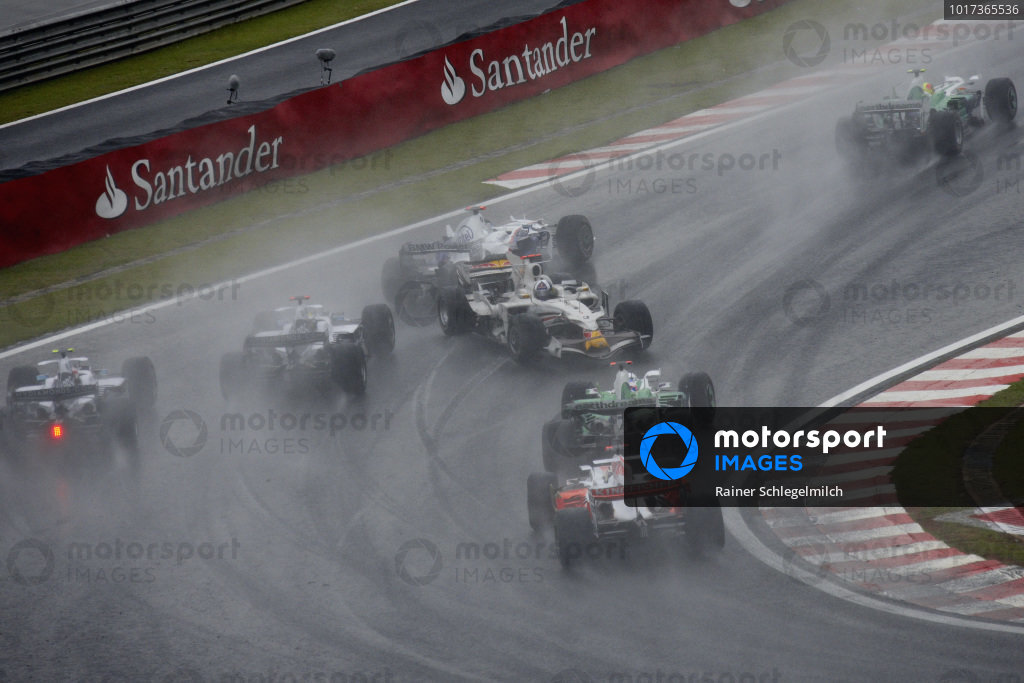 David Coulthard, Red Bull RB4 Renault facing the wrong way after going into a spin on the first lap.