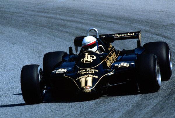 1982 Austrian Grand Prix.Osterreichring, Zeltweg, Austria.13-15 August 1982.Elio de Angelis (Lotus 91 Ford) 1st position.World Copyright - LAT Photographic