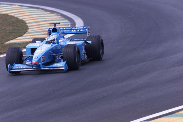 2000 Brazilian Grand Prix.Interlagos, Sao Paulo, Brazil.24-26 March 2000.Giacarlo Fisichella (Benetton B200 Playlife) 2nd position.World Copyright - LAT Photographic