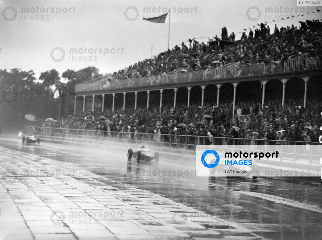 Phil Hill, Ferrari 156, leads Wolfgang von Trips, Ferrari 156.